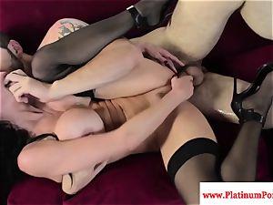 Veronica Avluv gets a throatful of jism