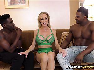 Brandi enjoy Works On two gigantic ebony cocks
