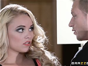 Bad wifey Alexis Monroe deals with her hubbies client