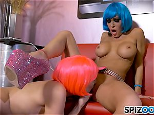 scissoring space sisters Jessica Jaymes and Julia Ann