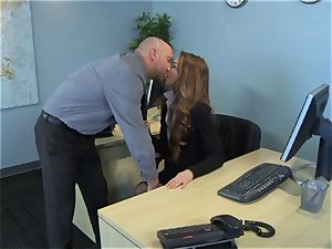 Samantha Hayes says sorry to her chief by wanking his wood