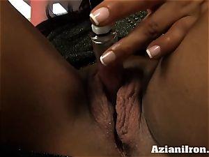 milf heavy damsel Amber pumps her massive bud