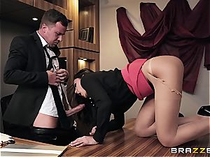 smashing super-hot Ariana's rump on the office desk