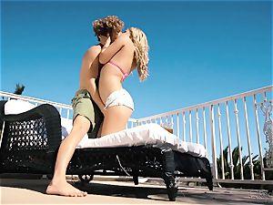 Natalia Starr enjoys vagina tearing up in the steaming sunshine