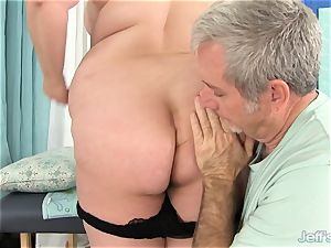 bbw Gets Her body, cunny and butt groped