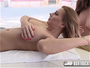 super-steamy Dorothy black gets an oral hook-up lesson from Henessy