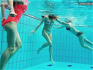 trio nude chicks have joy underwater