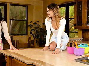 Mercedes Carrera entices wondrous honey Uma Jolie