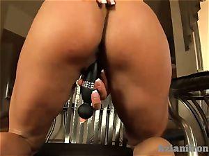 Buff lady slips dark-hued faux-cock in her moist vag