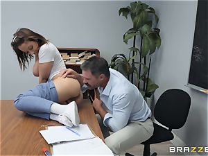 Marilyn house pounding the instructor
