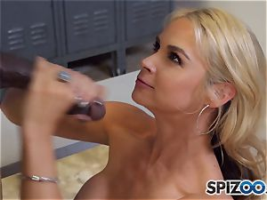 Sarah Vandella makes the deal that she gets an interview and he gets a muddy oral pleasure