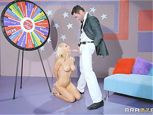 Game show hard-on fuckin' with blondie sweetie Alix Lynx