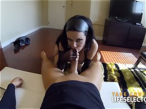 Veronica Avluv - mischievous abjection and supremacy