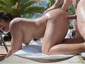 Mia Li getting boinked outdoors