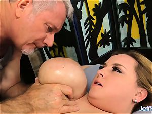 bbw Nikky hornier satiated by a masseuse