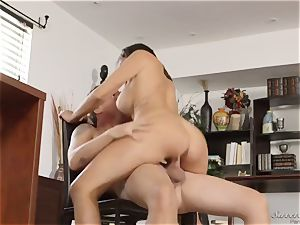 My horny chief calls for overtime work in her office