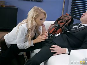 Alix Lynx humped stiff in her poon