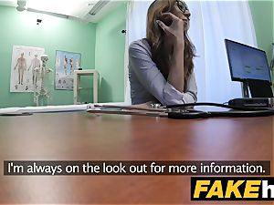 fake clinic Patient gives blowage before being boinked