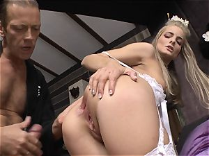 Cayenne Klein and her mate nailed by Rocco Siffredi