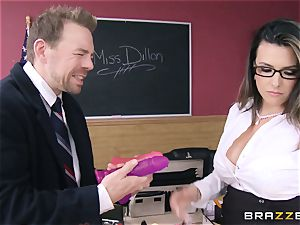 hot lecturer Danica Dillan smooths things over