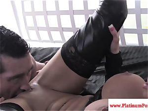 Nikita Von James penetrates and sucks dick