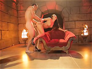 Asa Akira gets her steamy lips chubby a enormous lengthy salami