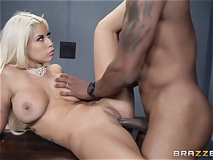 Bad culo Bridgette B boinked by a throbbing ebony hard-on
