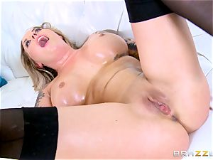Payton West gets a ginormous bone that makes her drizzle