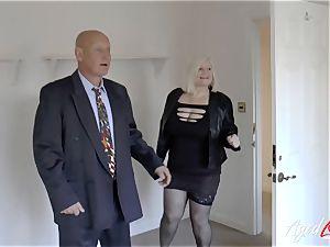 AgedLovE Mature dame Lacey Starr sucking hard sausage