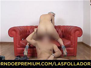 LAS FOLLADORAS - Spicy blonde nymph face sitting weirdo