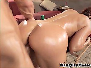 sandy-haired cougar Janet screwing her massagist