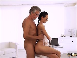 Blue eyes oral pleasure hd ultimately she s got her manager pink cigar