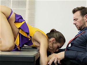 Cheerleader Riley Reid getting her forearms on a educator