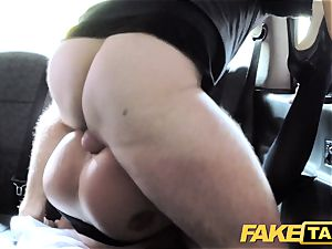 faux taxi red-hot estate agent gets creampied