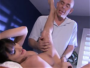 honey Alektra Blue fills her mouth with her lover's big beef whistle until she gasps