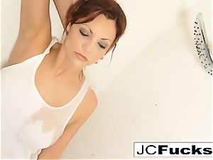 Let your eyes enjoy the sexuality of Jayden Cole