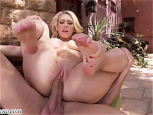 lewd chesty blond Kagney Linn Karter gets plowed outdoor