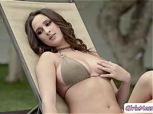 babe Ashley Adams loves slurping marvelous Blair Williams moist fuckbox