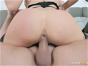 Nicole Aniston internal popshot