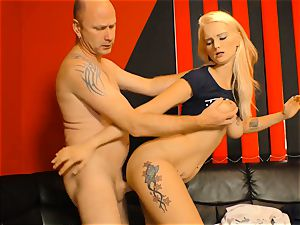 DEUTSCHLAND REPORT - Pickup and penetrate with German blond