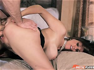 Julia Ann gets her fuckbox drilled by John mighty