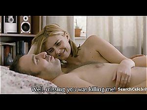 killer Maria Popistasu kissed with her nude bod exposed