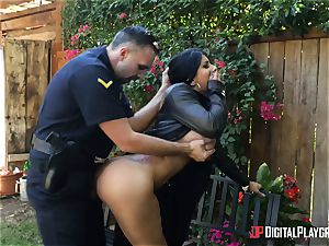 Unscrupulous flasher gets punished by policeman in a public park