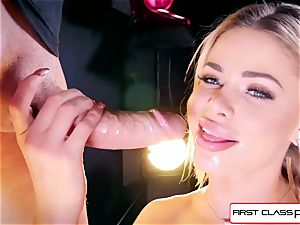 see Jessa Rhodes taking a phat pipe down her gullet