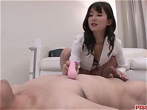 curvaceous bum nurse Ayumi Iwasa sensuous porn with patient